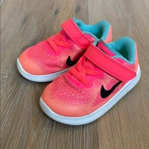Nike Hot Pink Toddler Sneakers 6C